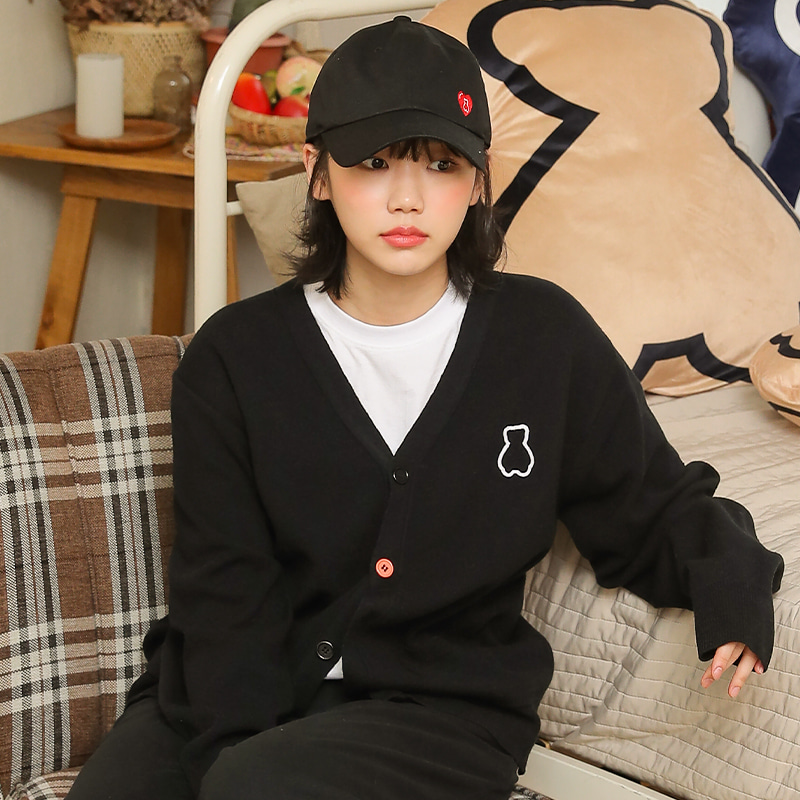 [4월30일 예약배송]AQO BEAR CARDIGAN BLACK